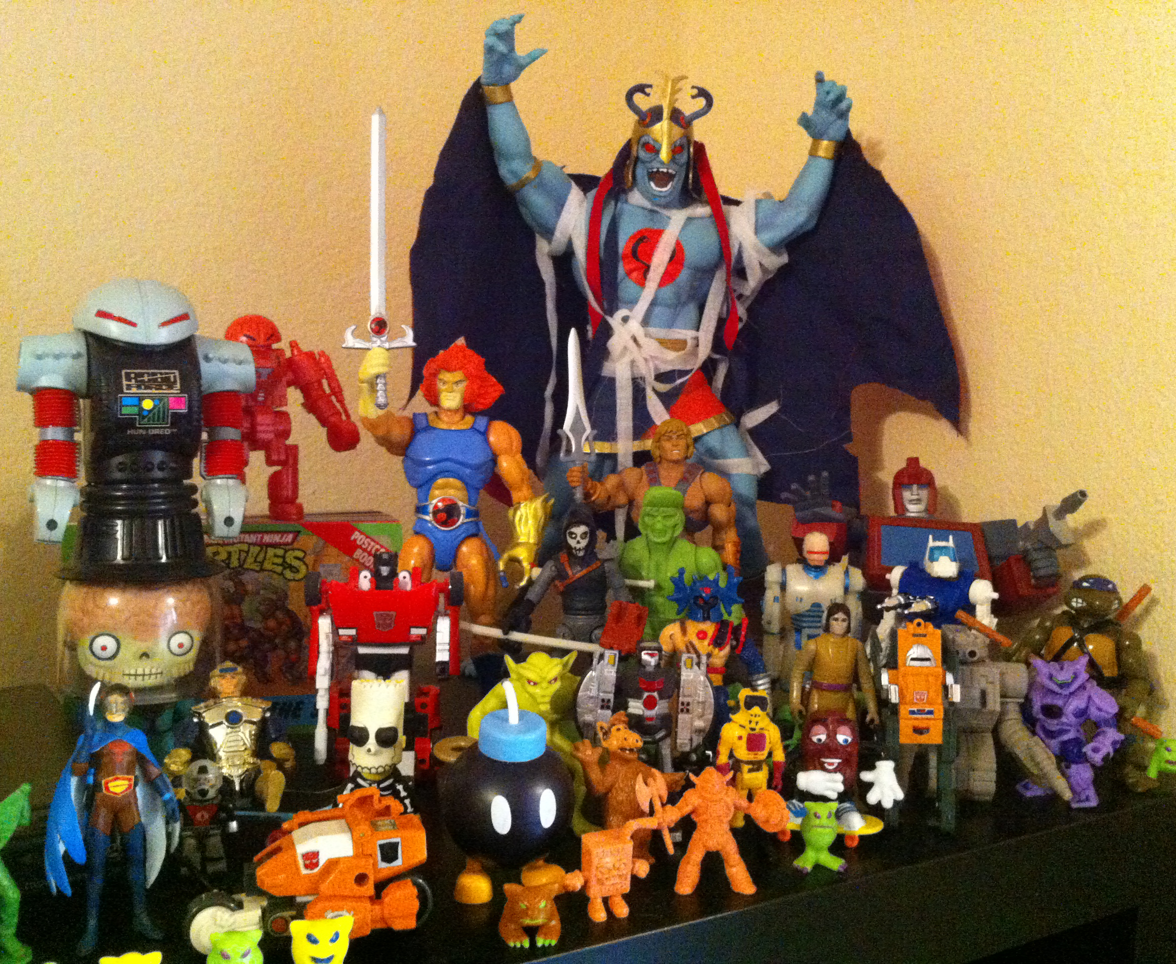 80 Toy Action Figure Shelves - Toys_Fantastic 80 Toy Action Figure Shelves - Toys  Graphic_24653.jpg